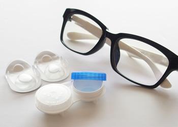 メガネの処方箋も行っています。